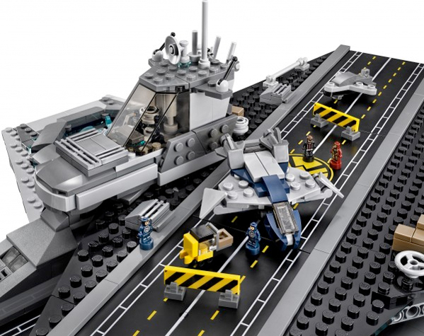 Lego helicarrier photo8 full