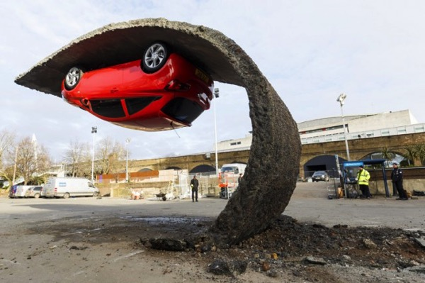 Vauxhall Motors Insallation by Alex Chinneck 2 640x426